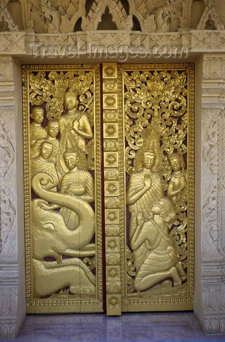 laos94: Laos - Laos - Luang Prabang: Gilded gate - Vat Pa Phonphao - Buddhist temple - religion / Vergoldete Türflügel - photo by Walter G Allgöwer - (c) Travel-Images.com - Stock Photography agency - Image Bank