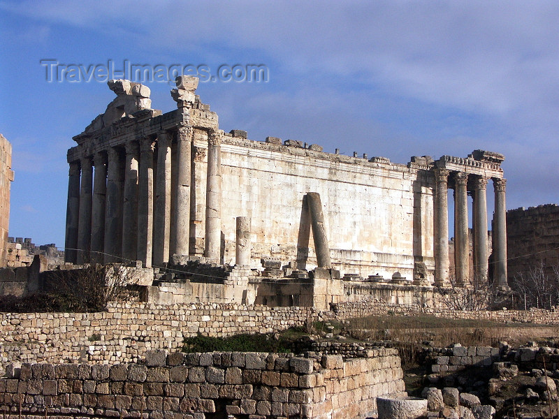 lebanon45: Lebanon / Liban - Baalbek / Baalbak / Heliopolis:  Temple of Bacchus (photo by P.Artus) - (c) Travel-Images.com - Stock Photography agency - Image Bank