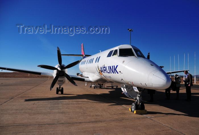 lesotho53: Mazenod, Maseru, Lesotho: South African Airlink British Aerospace (BAE) Jetstream 41 41 ZS-NRJ, cn 41062 - Moshoeshoe I International Airport - photo by M.Torres - (c) Travel-Images.com - Stock Photography agency - Image Bank