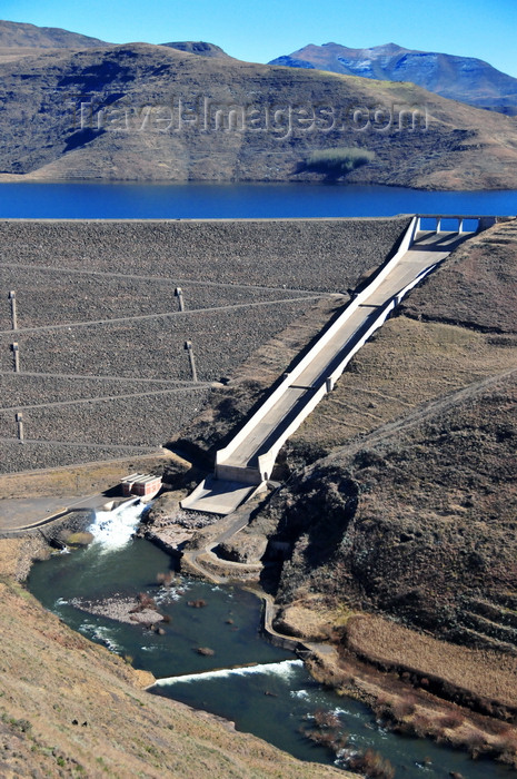 lesotho66: Mohale Dam, Lesotho: built as a backup reserve to the Katse Dam project, ensuring there's enough water to meet South Africa's ever-increasing demand - it has a catchment area of 938 square kilometers - photo by M.Torres - (c) Travel-Images.com - Stock Photography agency - Image Bank