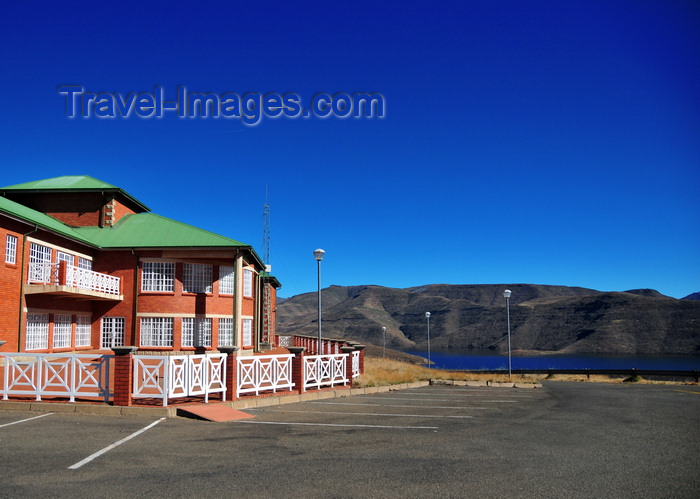 lesotho67: Mohale Dam, Lesotho: visitor information centre - photo by M.Torres - (c) Travel-Images.com - Stock Photography agency - Image Bank