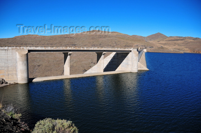 lesotho70: Mohale Dam, Lesotho: ogee crest spillway built on the left abutment of the dam, seen from the reservoir side - photo by M.Torres - (c) Travel-Images.com - Stock Photography agency - Image Bank
