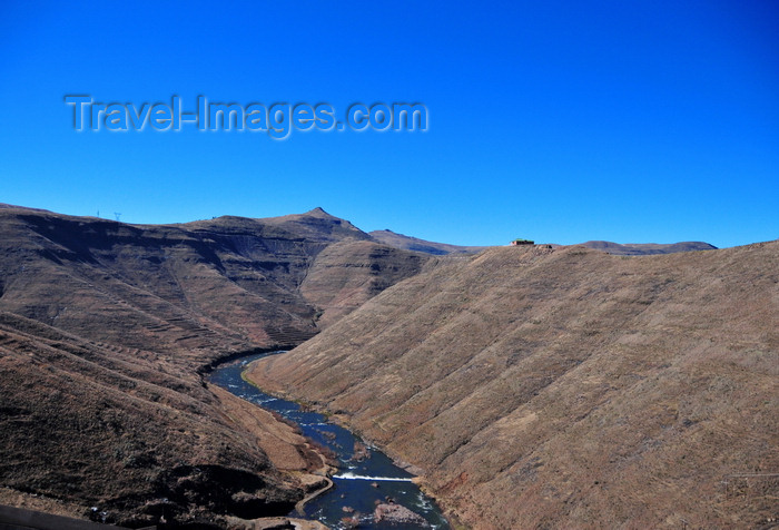 lesotho71: Mohale Dam, Lesotho: Senqunyane River after the dam - a tributary of the Senqu River / Orange river - photo by M.Torres - (c) Travel-Images.com - Stock Photography agency - Image Bank