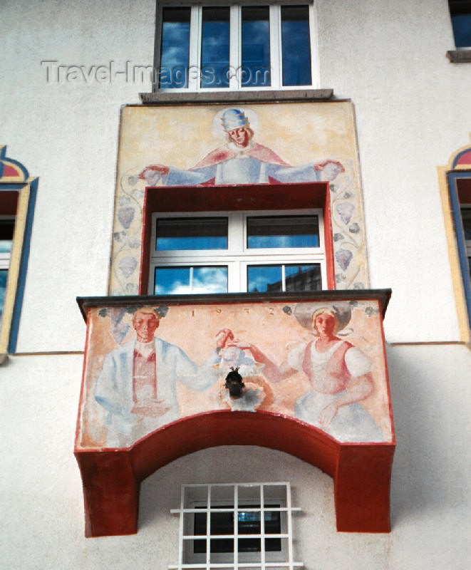 liech25: Liechtenstein - Vaduz: blessed balcony - Rathaus City hall  (photo by M.Torres) - (c) Travel-Images.com - Stock Photography agency - Image Bank