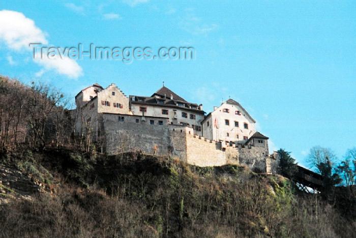 liech4: Liechtenstein - Vaduz: the Princes' Palace - residence of the  Princely Family - Schloss Vaduz - Heimat und Wohnsitz der Furstlichen Familie - Schloß (photo by M.Torres) - (c) Travel-Images.com - Stock Photography agency - Image Bank