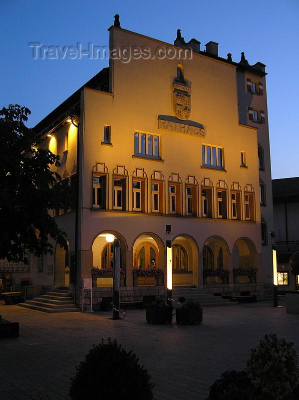liech62: Liechtenstein - Vaduz: Rathaus / Townhall at night - photo by J.Kaman - (c) Travel-Images.com - Stock Photography agency - Image Bank