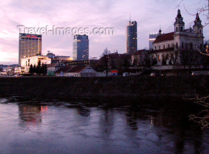 lithuan118: Lithuania - Vilnius: dusk by the river Neris - photo by A.Dnieprowsky - (c) Travel-Images.com - Stock Photography agency - Image Bank