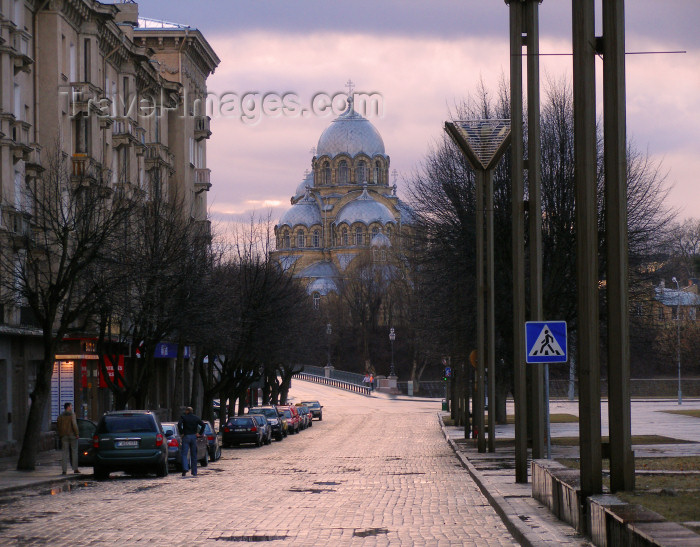 lithuan119: Lithuania - Vilnius: Orthodox church of the Virgin's Apparition - photo by A.Dnieprowsky - (c) Travel-Images.com - Stock Photography agency - Image Bank