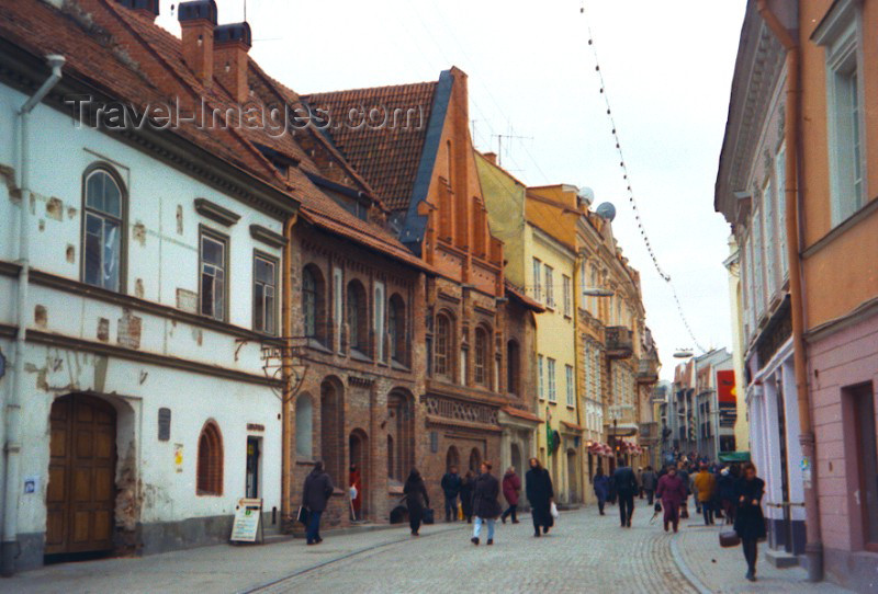 lithuan2: Lithuania - Vilnius: old town - photo by M.Torres - (c) Travel-Images.com - Stock Photography agency - Image Bank