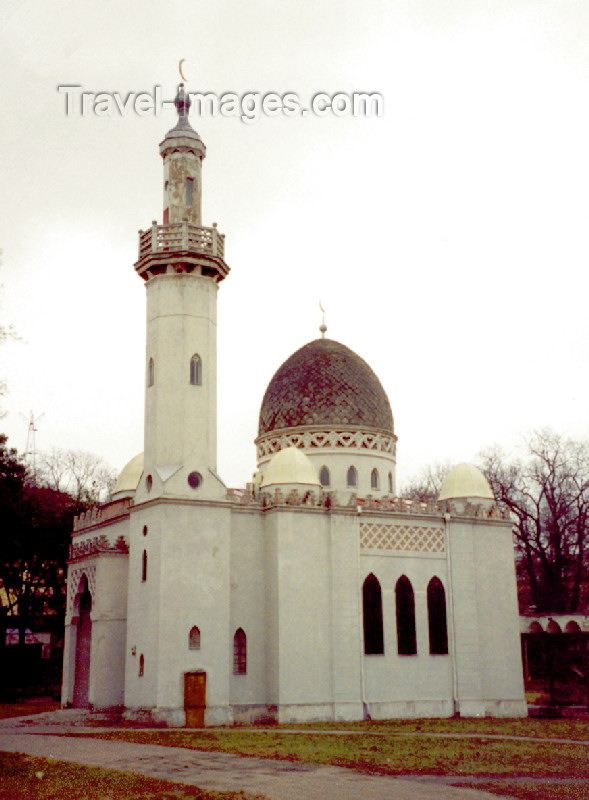 lithuan24: Lithuania - Kaunas: Tartar mosque - photo by M.Torres - (c) Travel-Images.com - Stock Photography agency - Image Bank