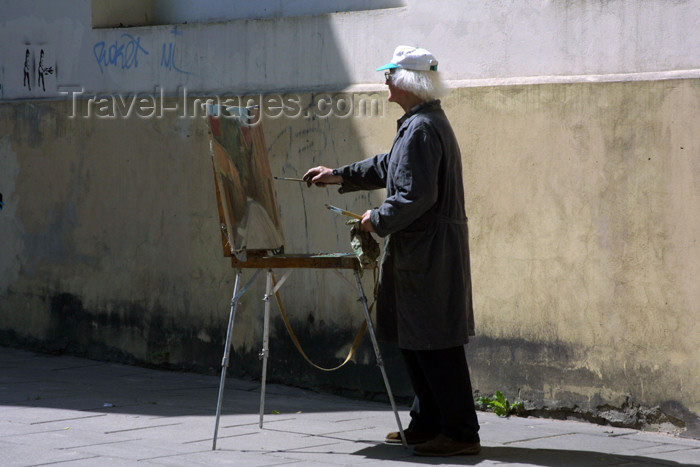 lithuania109: Lithuania - Vilnius: painter - photo by A.Dnieprowsky - (c) Travel-Images.com - Stock Photography agency - Image Bank