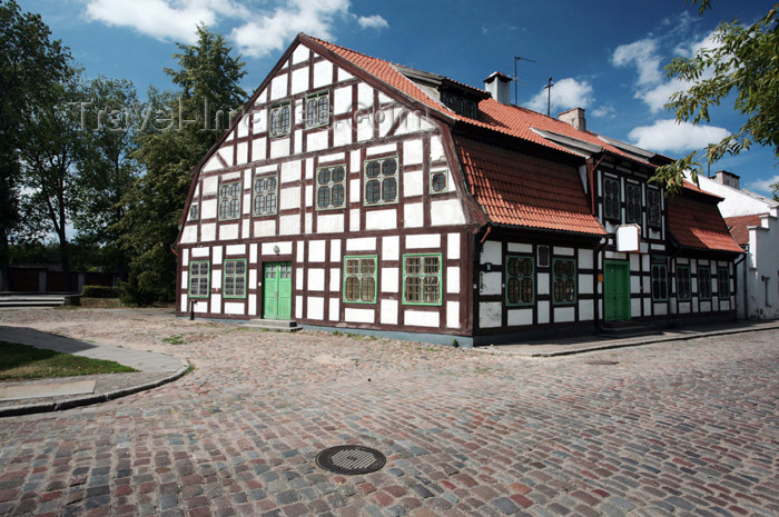 lithuania121: Lithuania - Klaipeda / Memel: 18th century house - framework architecture - Timber framing - photo by A.Dnieprowsky - (c) Travel-Images.com - Stock Photography agency - Image Bank