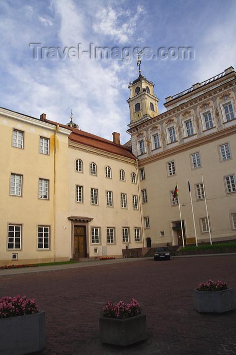 lithuania168: Lithuania - Vilnius: Vilnius University - front facade - photo by Sandia - (c) Travel-Images.com - Stock Photography agency - Image Bank