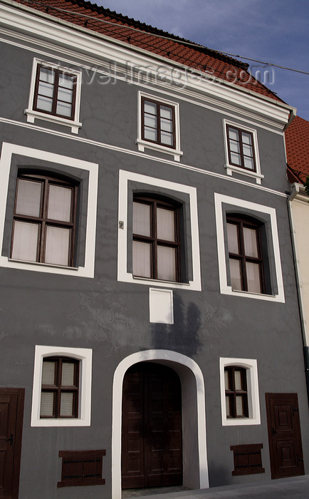 lithuania174: Lithuania - Vilnius: architectural example - Didzioji Street - photo by Sandia - (c) Travel-Images.com - Stock Photography agency - Image Bank