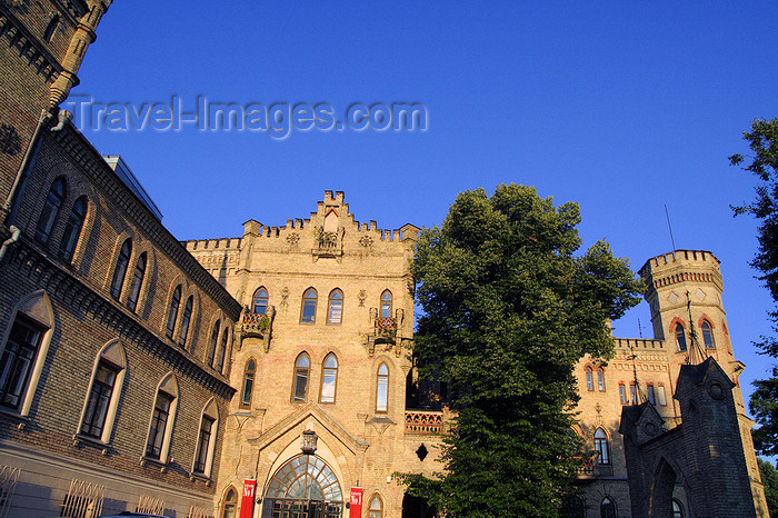 lithuania182: Lithuania - Vilnius: brick architecture - photo by Sandia - (c) Travel-Images.com - Stock Photography agency - Image Bank