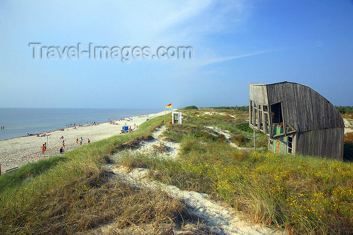 lithuania204: Klaipeda, Lithuania: Juodkrante beach - Curonian Spit and the Baltic Sea - UNESCO world heritage site - Kursiu Nerija - photo by A.Dnieprowsky - (c) Travel-Images.com - Stock Photography agency - Image Bank