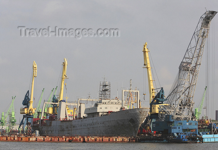 lithuania205: Klaipeda, Lithuania: docks - ship undergoing repairs - photo by A.Dnieprowsky - (c) Travel-Images.com - Stock Photography agency - Image Bank