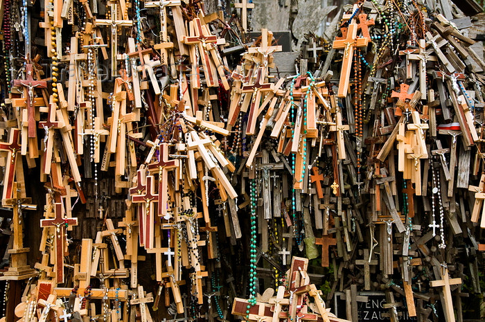 lithuania37: Siauliai, Lithuania: Hill of crosses - Kryziu Kalnas - crosses and  rosaries - photo by J.Pemberton - (c) Travel-Images.com - Stock Photography agency - Image Bank