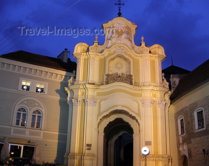lithuania86: Lithuania - Vilnius: Old City Hall, now the Contemporary Art Center - nocturnal - night - photo by A.Dnieprowsky - (c) Travel-Images.com - Stock Photography agency - Image Bank