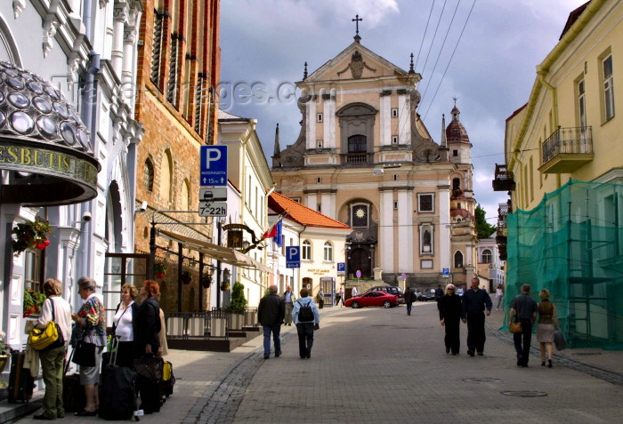 lithuania87: Lithuania - Vilnius: Church of St. Theresa and Monastery of the Barefoot Carmelites  from Ausros Vartu street / Sventos Tereses baznycia - photo by A.Dnieprowsky - (c) Travel-Images.com - Stock Photography agency - Image Bank
