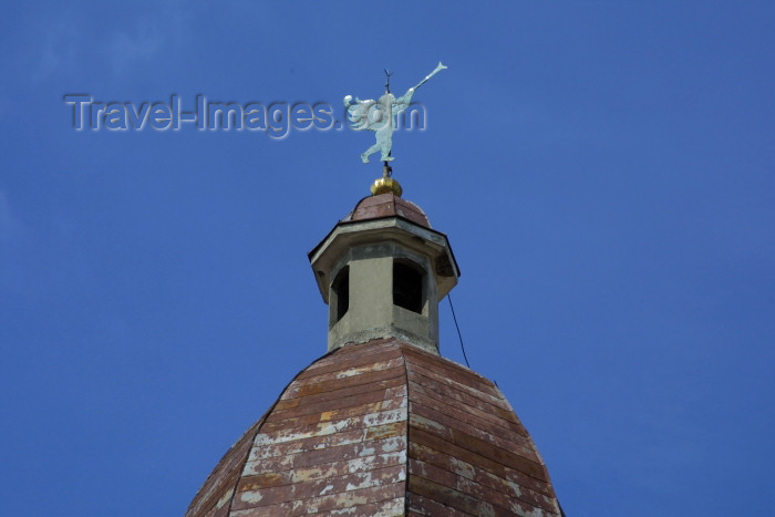 lithuania88: Lithuania - Vilnius: Church of St. Theresa - angel on roof-top / Sventos Tereses baznycia - photo by A.Dnieprowsky - (c) Travel-Images.com - Stock Photography agency - Image Bank
