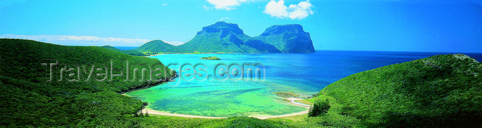 lord-howe8: Lord Howe island: panorama - looking south from Kim's Lookout - Mts Lidgbird and Gower - Unesco World Heritage site - photo by R.Eime - (c) Travel-Images.com - Stock Photography agency - Image Bank