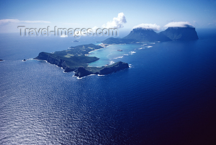 lord-howe9: Lord Howe island: from the air - Unesco World Heritage site - photo by R.Eime - (c) Travel-Images.com - Stock Photography agency - Image Bank
