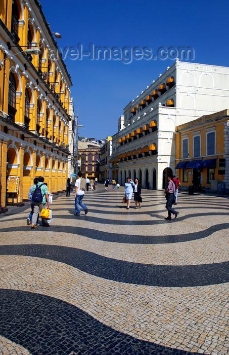macao18: Macao, China: city center - Portuguese pavement at Senado square - Unesco world heritage - calçada do Largo do Senado - photo by B.Henry - (c) Travel-Images.com - Stock Photography agency - Image Bank