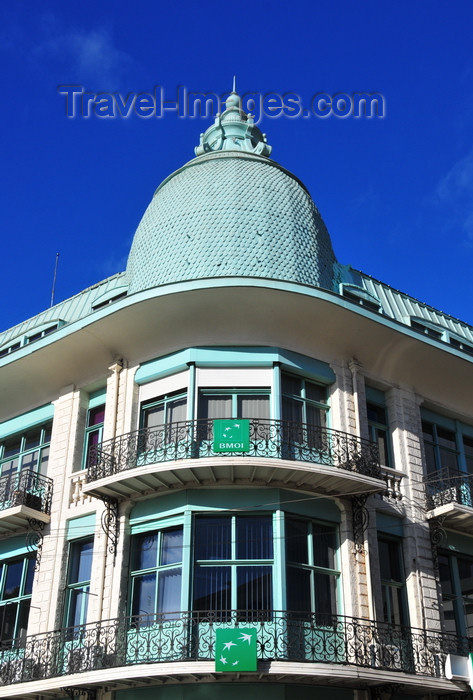 madagascar1: Antananarivo, Madagascar: a touch of Haussmann in Tana - Place de l'Indépendence - BMOI bank - Banque Malgache de L'Océan Indien - BNP-Paribas group - photo by M.Torres - (c) Travel-Images.com - Stock Photography agency - Image Bank