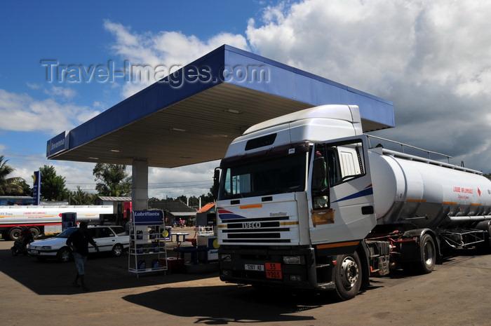 madagascar100: Toamasina / Tamatave, Madagascar: truck at a Jovenna petrol station - photo by M.Torres - (c) Travel-Images.com - Stock Photography agency - Image Bank