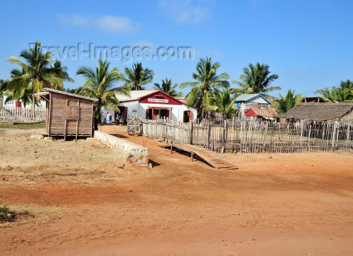madagascar102: Morondava - Menabe, Toliara province, Madagascar: improvised church - photo by M.Torres - (c) Travel-Images.com - Stock Photography agency - Image Bank