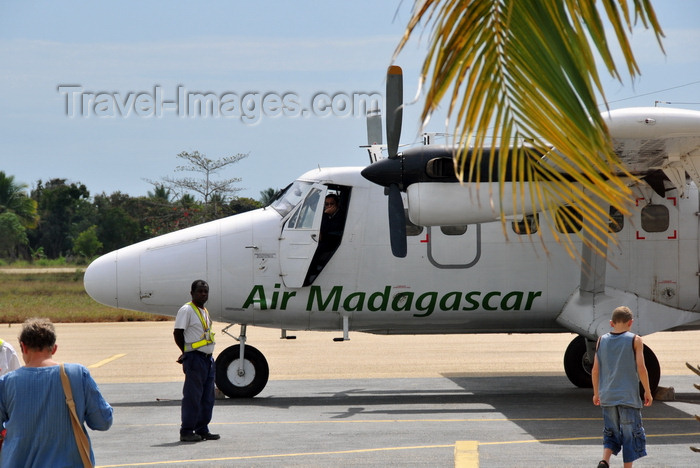 madagascar120: Morondava - Menabe, Toliara province, Madagascar: airport - passengers board Air Madagascar de Havilland DHC-6 Twin Otter 5R-MGD - photo by M.Torres - (c) Travel-Images.com - Stock Photography agency - Image Bank
