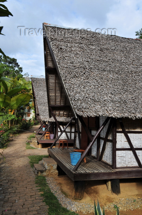 madagascar121: Andasibe, Alaotra-Mangoro, Toamasina Province, Madagascar: thatched roof bungalows await the tourists - photo by M.Torres - (c) Travel-Images.com - Stock Photography agency - Image Bank