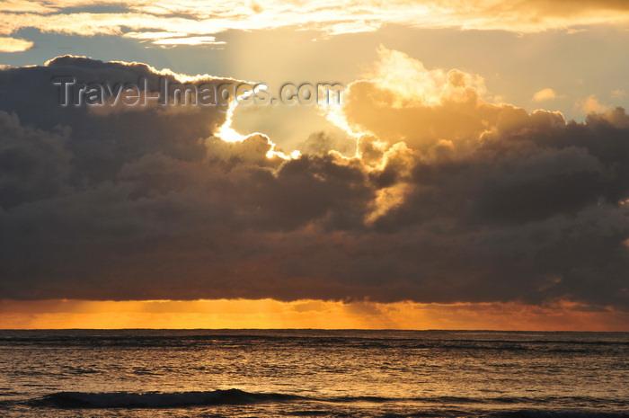 madagascar132: Mahambo, Analanjirofo, Toamasina Province, Madagascar: sunrise on the Indian Ocean - lever de soleil - photo by M.Torres - (c) Travel-Images.com - Stock Photography agency - Image Bank