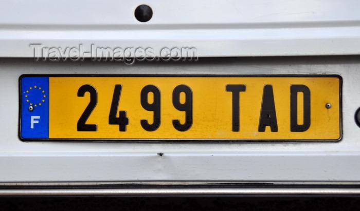 madagascar135: Mahambo, Analanjirofo, Toamasina Province, Madagascar: the twelve stars of the EU - French license plates are often used in Madagascar - plaque d'immatriculation - photo by M.Torres - (c) Travel-Images.com - Stock Photography agency - Image Bank