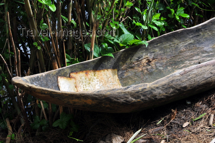 madagascar152: Soanierana Ivongo, Analanjirofo, Toamasina Province, Madagascar: dugout canoe with metal patches - photo by M.Torres - (c) Travel-Images.com - Stock Photography agency - Image Bank