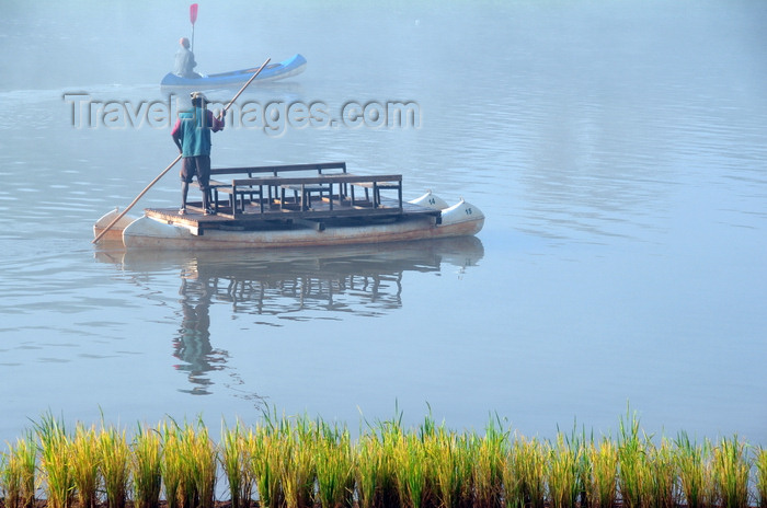 madagascar267: Bekopaka, Antsalova district, Melaky region, Mahajanga province, Madagascar: rice and man-powered catamaran ferry - photo by M.Torres - (c) Travel-Images.com - Stock Photography agency - Image Bank