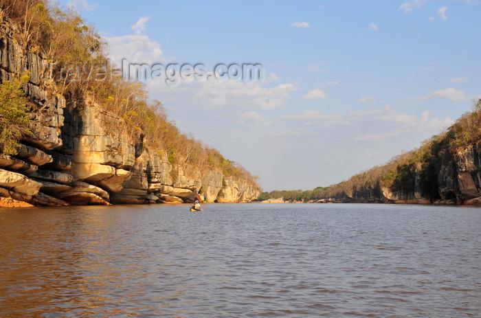 madagascar287: Antsalova district, Melaky region, Mahajanga province, Madagascar: Manambolo River heads toward the Mozambique Channel - gorge - photo by M.Torres - (c) Travel-Images.com - Stock Photography agency - Image Bank