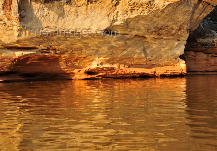 madagascar292: Antsalova district, Melaky region, Mahajanga province, Madagascar: sandstone becomes golden at sunrise - canyon of the Manambolo River - photo by M.Torres - (c) Travel-Images.com - Stock Photography agency - Image Bank
