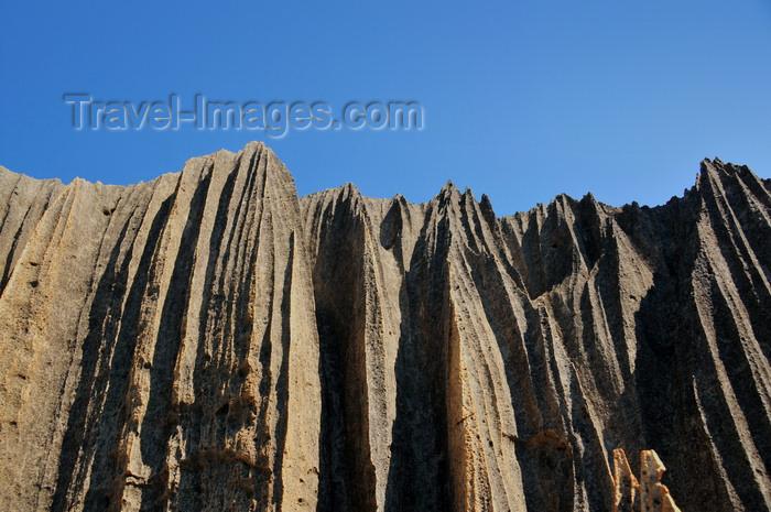 madagascar302: Tsingy de Bemaraha National Park, Mahajanga province, Madagascar: rock etched into channels and ridges known as tsingy - karst limestone formation - UNESCO World Heritage Site - photo by M.Torres - (c) Travel-Images.com - Stock Photography agency - Image Bank