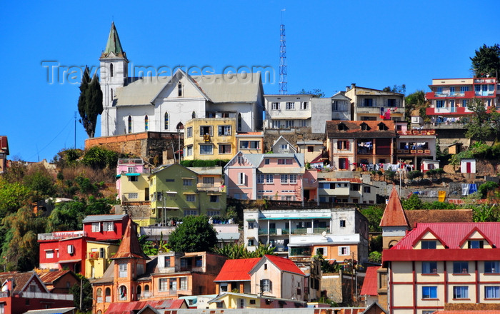 madagascar336: Antananarivo / Tananarive / Tana - Analamanga region, Madagascar: church perched on a hill - houses on the slope - Haute-Ville - photo by M.Torres - (c) Travel-Images.com - Stock Photography agency - Image Bank