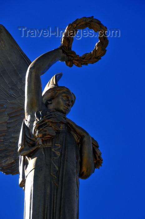 madagascar337: Antananarivo / Tananarive / Tana - Analamanga region, Madagascar: angel with laurels - Monument aux Morts - sculpture by Barberis commemorates Malagasy soldiers killed for France - Ange Noir - photo by M.Torres - (c) Travel-Images.com - Stock Photography agency - Image Bank