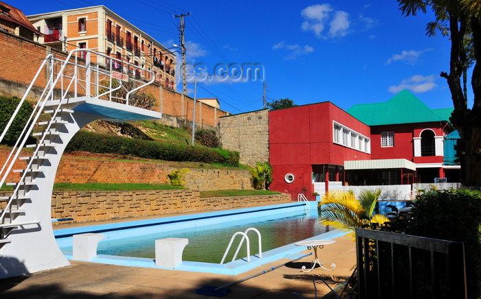 madagascar341: Antananarivo / Tananarive / Tana - Analamanga region, Madagascar: pool and restaurant at a colonial leisure complex - ACSA - Amical culturel et sportif d'Ambohidahy - Jean Ralaimongo road - Ambohidahy - photo by M.Torres - (c) Travel-Images.com - Stock Photography agency - Image Bank