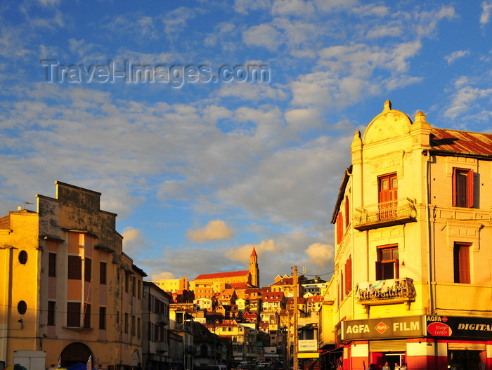 madagascar354: Antananarivo / Tananarive / Tana - Analamanga region, Madagascar: Rue Rabefiraisana, corner with Ave 26 Juin 1960 - Faravohitra church in the background - photo by M.Torres - (c) Travel-Images.com - Stock Photography agency - Image Bank