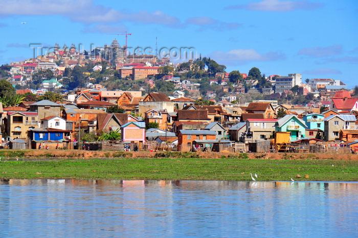 madagascar366: Antananarivo / Tananarive / Tana - Analamanga region, Madagascar: Lac Masay, shanty town and palaces on Iarivo hill - Rocade du Marais Masay - photo by M.Torres - (c) Travel-Images.com - Stock Photography agency - Image Bank