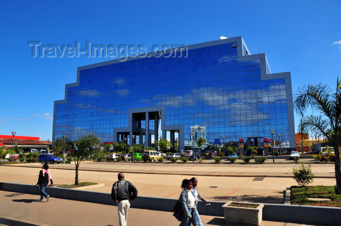 madagascar367: Antananarivo / Tananarive / Tana - Analamanga region, Madagascar: offices of Madagascar Oil and Total Grande Île - Immeuble Trano Fitaratra - modern architecture - glass façade on Rue Ravoninahitriniarivo - Andranomahery - photo by M.Torres - (c) Travel-Images.com - Stock Photography agency - Image Bank