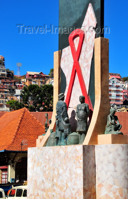 madagascar369: Antananarivo / Tananarive / Tana - Analamanga region, Madagascar: AIDS monument - place du Zoma - avenue du 26 Juin 1960 - SIDA - photo by M.Torres - (c) Travel-Images.com - Stock Photography agency - Image Bank