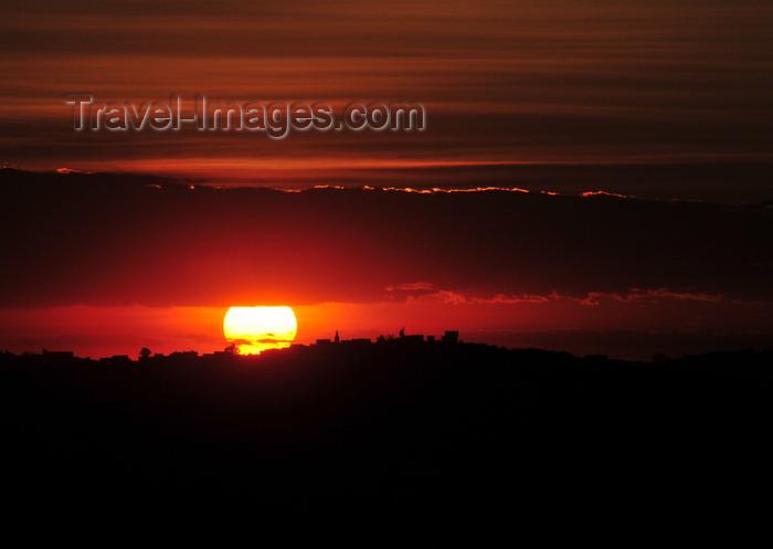 madagascar394: Antananarivo / Tananarive / Tana - Analamanga region, Madagascar: sunset from Independence square - photo by M.Torres - (c) Travel-Images.com - Stock Photography agency - Image Bank