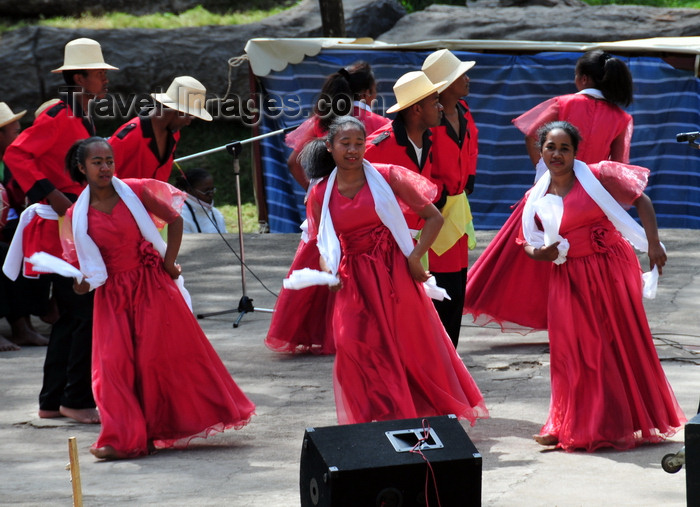 madagascar402: Antananarivo / Tananarive / Tana - Analamanga region, Madagascar: Malagasy dancers in Place Ankizy - photo by M.Torres - (c) Travel-Images.com - Stock Photography agency - Image Bank