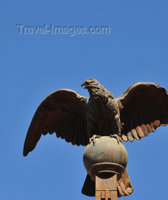 madagascar408: Antananarivo / Tananarive / Tana - Analamanga region, Madagascar: Queen's Palace - Rova - Ankadinandriana - bronze eagle, a gift of Napoleon III - photo by M.Torres - (c) Travel-Images.com - Stock Photography agency - Image Bank